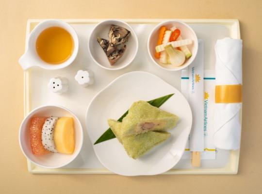 Vietnam Airlines Đưa Các Món Ăn Cổ Truyền Ngày Tết Lên Máy Bay