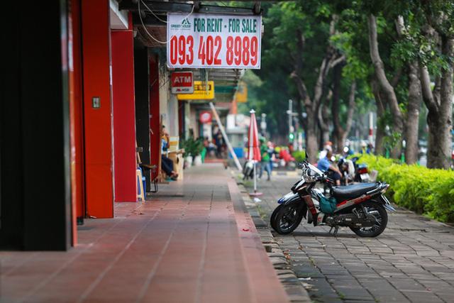 'Phố Hàn Quốc' ở Sài Gòn cửa đóng then cài, đìu hiu, xơ xác đến khó tin FnB Việt Nam