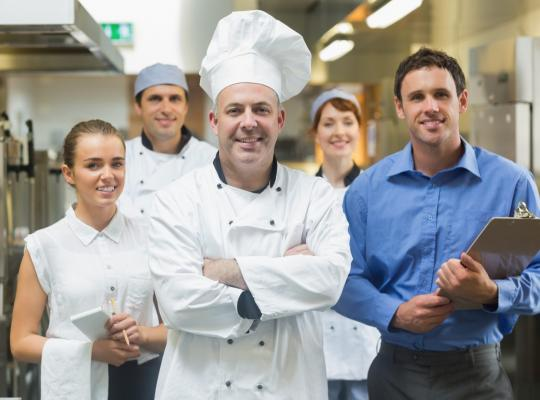 Cách tính chi phí nhân sự trong kinh doanh nhà hàng