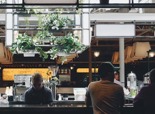 Kinh nghiệm kinh doanh tiệm ăn uống vừa và nhỏ – Kỳ 3: Phác họa chân dung khách hàng mục tiêu